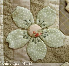 Japanese Embroidery Designs Ulla's Quilt World: Quilt blanket - Japanese flowers Quilt Block Patterns, Applique Patterns, Applique Quilts, Embroidery Applique, Dress Patterns, Coat Patterns, Applique Designs, Embroidery Designs, Sewing Patterns