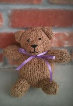 Teddy Bear - Free Knitting Patterns by Cassidy Clark