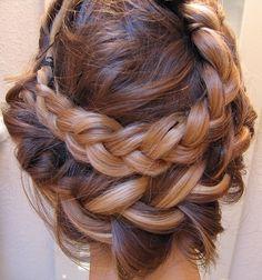 Multi-hued braids