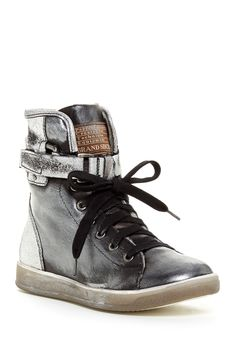 Manas   Desi Faux Fur Lining Sneaker