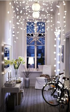 Ten amazing indoor Christmas lights & DIY ideas to add fun illumination to your home during the holidays! Plus helpful how to guides! #Christmaslightsetc