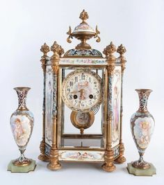 Reloj Sevres pintado a mano siglo XIX | Antigüedades El Portal Porcelain Ceramics, Clock, Home Decor, Enamels, Painted Porcelain, 19th Century, Bronze, Watch, Decoration Home