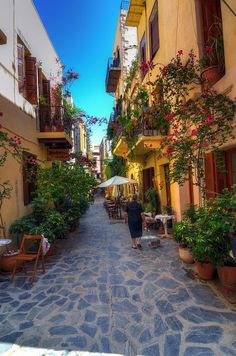 Picturesque alleyways of Chania on Crete Island, Greece (by Gedsman).