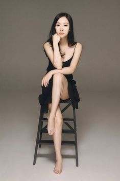 Chinese actress Liu Yiti poses for a fashion photo shoot recently. Liu Yiti (born February is a Chinese actress best known for her Fashion Poses, Fashion Photo, Fashion Outfits, Asian Woman, Asian Girl, Wow Photo, Sitting Poses, Beauty Shoot, Portrait Poses
