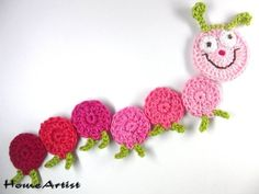 Crochet Caterpillar Applique Motif By Elena - Free Crochet Pattern - (goldenlucycrafts) Crochet Bookmarks, Crochet Books, Crochet Art, Love Crochet, Crochet Crafts, Crochet Flowers, Crochet Projects, Baby Knitting Patterns, Applique Patterns