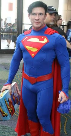 I'm making a supersuit for my guy. I just hope it turns out this awesome! Superman Cosplay, Comic Con Cosplay, Male Cosplay, Best Cosplay, Emperors New Clothes, Clark Kent, Batman Art, Man Of Steel, Costume Dress