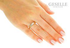 Wyjątkowy pierścionek z żółtego złota pr. 585 z brylantem o masie 0,13 karata - niebanalne zaręczyny z GESELLE Jubiler - GRAWER W PREZENCIE | PIERŚCIONKI ZARĘCZYNOWE \ Brylant \ Żółte złoto od GESELLE Jubiler
