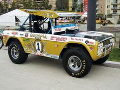Just A Car Guy : Big Oly, a new Baja race vehicle tribute to Parnelli Jones' Baja 1000 two time winning Bronco in and Classic Bronco, Classic Trucks, Vintage Race Car, Vintage Trucks, Parnelli Jones, Early Bronco, Old Race Cars, Rc Cars, Trophy Truck
