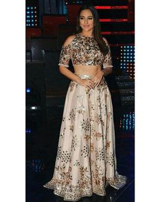 Sonakshi on the sets of #Nachbaliyeq8 today