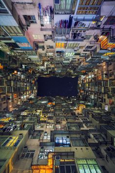 adreciclarte — The Trench Run, Hong Kong by Peter Stewart