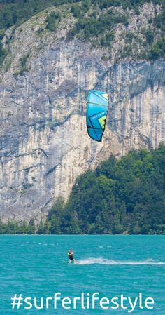 Kitesurfen am Wolfgangsee im Salzkammergut ist ein Erlebnis. Infos zum Kitespot findest du am Blog