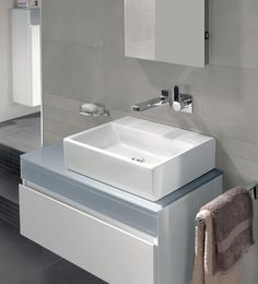 Minimalist design and maximum aesthetic effect - that's Memento! This luxurious design makes your bath into a real experience ▶ Be inspired now! Washbasin Design, Memento, Villeroy, Small Bathroom, Modern Bathrooms, Bathroom Ideas, Bathroom Styling, Apartment Living, Living Room