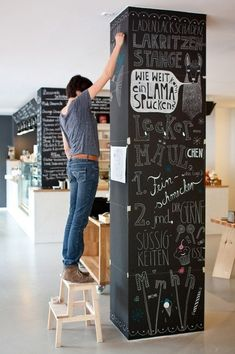 some great and creative examples that you might use in your interior and those are some Charming Chalkboard Wall Decor Ideas For More Fun. Chalkboard Paint Projects, Black Chalkboard Paint, Kitchen Chalkboard, Chalkboard Decor, Chalkboard Walls, White Chalk, Pillar Design, Chalk Wall, Chalk Board