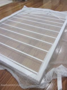 How to make a Pull-out Sweater Drying Rack – free plans