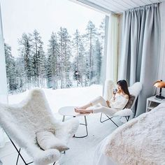 """I will never get over this room in Finland 🇫🇮 ❄️🌲❄️ Arctic Treehouse Hotel Tara Milk Tea, Treehouse Hotel, Interior And Exterior, Interior Design, European Home Decor, My Dream Home, Future House, Tiny House, Sweet Home"