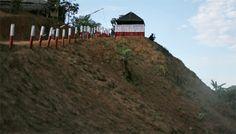 """""""5%라도 그들의 존재는 암덩어리"""" [2014.05.26 제1012호]       [세계_ 버마 로힝야, 제노사이드 경보 ③ 국경의 위험한 신호 ] 로힝야에 대한 적개심 감추지 않는 아라칸 군인들  '소수집단의 권리를 위한 모임', 대량 학살 위험군 9개 지역 중 하나로 버마 꼽아"""