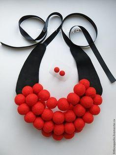 """Колье """"Теплый жемчуг"""" (алый, красный, бордовый). Handmade."""