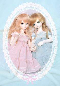 Fleur and Twiggy in new dresses~ by TURBOW [ idle & busy ] on Flickr.