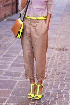 love neon yellow as an accent Nude Outfits, Cool Outfits, Fashion Outfits, Womens Fashion, Fashion Trends, Yellow Fashion, Fashion Colours, Summer Chic, Spring Summer Fashion
