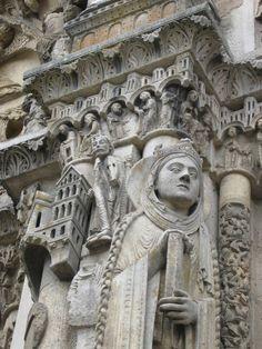 Detalle de la puerta occidental de la Catedral de Chartres.