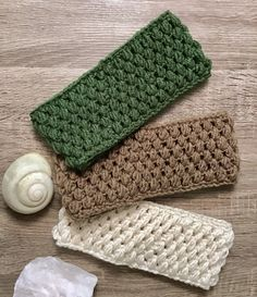 Crochet Headbands and ear warmers - Quick and easy FREE patterns - Peanut and Plum