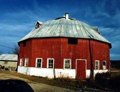 Round Barn  On CR G. West of Rt 58 on CR O by 3.8 miles, then north on CR G .2 miles. About 4 miles southwest of Mauston. Juneau Co WI