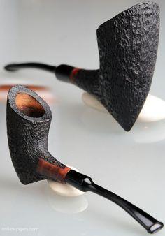 Трубочки Крисвилл – это трубочки неизменного качества, предмет гордости коллекционера. Трубка очень изящная и лёгкая. Полностью убран нагар, дым канал полностью очищен. Если вас заинтересовала эта трубка, свяжитесь со мной: email: mikhaeldonezk@mail.ru Скайп: Mik_leontiev Тел: +38 050...