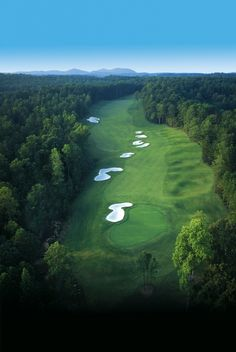 18-hole Championship Golf • Governors Towne Club