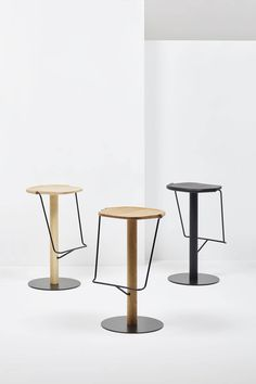The Uncino Collection by Ronan and Erwan Bouroullec is a reflection of pure minimalism in design. The Uncino task chairs have two different backrest...