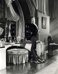 Pauline Starke in 'Women Love Diamonds' (1927)