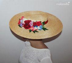 Pamela de rafia - paja RUBIELOS con flores en rojo, canotier de ala ancha xxl by Malonsilla Fascinator Hats, Fascinators, Wedding Goals, Chic Wedding, Bridesmaid Outfit, Love Hat, Hat Hairstyles, Vintage Vibes, Summer Diy