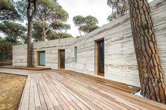 Massimo Fiorido Summer House: Travertine Trend | Busyboo Design Blog