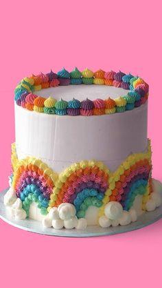 Rainbow Cloud Cake ~ The Scran Line - Vanilla Funfetti Cake, rainbow buttercream layers with a rainbow cloud decoration on the outside. Rainbow Layer Cakes, Rainbow Frosting, Cake Rainbow, Funfetti Kuchen, Funfetti Cake, Cake Decorating Techniques, Cake Decorating Tips, Buttercream Cake Decorating, Buttercream Birthday Cake