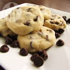 Tina's Shortbread Chocolate Chip Cookies Recipe and Video Shortbread Biscuits, Shortbread Recipes, Biscuit Cookies, Chocolate Shortbread Recipe, Shortbread Bars, Chocolate Cheesecake, Biscuit Recipes Uk, Cookie Recipes, Baking Recipes Uk