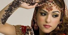 9 Easy Ways to Save On Your Bridal Makeup And Hair Costs Bridal Make Up, Wedding Make Up, Mehndi Party, Indian Bridal Hairstyles, Vegvisir, Braut Make-up, Bride Getting Ready, Ways To Save, Classy