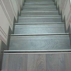 Tendencias on pinterest originals v lines and white nursery - Revestimiento para escaleras ...