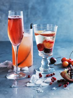 Celebrate Christmas with these perfect party drinks. Subtly sweet, they are infused with fresh summer fruits such as pomegranates, lychees, and raspberries. From yuletide mule to cocospritz, here are the coolest drinks this season.