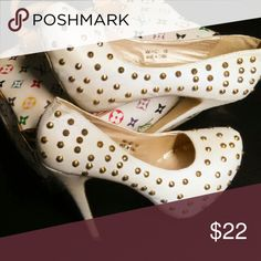 Eggshell Leather Platform Pump w/ 5 in heel Eggshell whit leather is covered in beautiful gold stud detail / leather covered 5 inch stiletto heel / slight heel wear / otherwise excellent condition both interior/exterior / great with Capri pants Ami Alexandre Mattiussi Shoes Heels