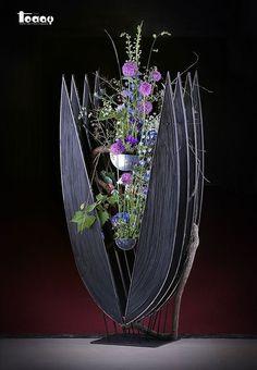 Contemporary Flower Arrangements, Beautiful Flower Arrangements, Beautiful Flowers, Ikebana Arrangements, Floral Arrangements, Art Floral, Floral Design, Flower Show, Flower Art