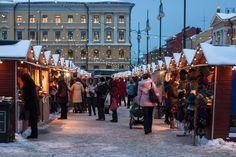 The St. Thomas Christmas Market is a traditional handicrafts Christmas fair that is organised by the City of Helsinki Public Works Department. Place: Senate Square - Tuomaan markkinat on perinteinen jouluinen ja käsityöpainotteinen tapahtuma. Tuomaan markkinat pidetään Senaatintorilla 7.–22.12.2013. Aukioloajat ovat ma-pe klo 10–19 ja la-su klo 10–18.