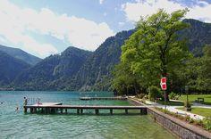 Badeplass ved Unterach am Attersee, Salzkammergut, Attersee, Østerrike. Foto: Arnold Weisz ©