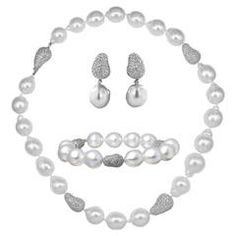 Baroque South Sea Pearl Diamond Gold Necklace Bracelet and Earrings Suite