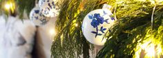 How to hand-paint your own blue and white chinoiserie ornaments for adornment on garlands, trees, as a table centerpiece, or even as a hand-made gift. White Ornaments, Diy Christmas Ornaments, Christmas Projects, Handmade Christmas, Christmas Bulbs, Christmas Decorations, Christmas Ideas, Holiday Decorating, Xmas