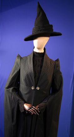 Harry Potter costume: I would LOVE a prof McGonagall costume for Halloween at work.