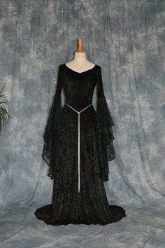 Halloween Medieval Elvish Gothic Dress por frockfollies en Etsy, $160.00