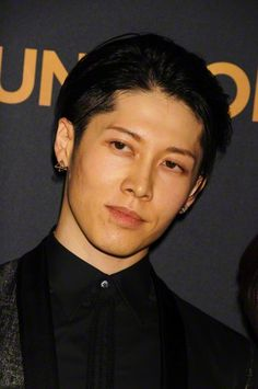 "#MIYAVI (Takamasa Ishihara) arrives at the premiere of ""Unbroken"" held at The Dolby Theater in Hollywood. 15/Dic"