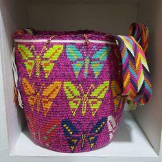 Hermosas mochilas wayuu...envios nacional e internacional ..inf whsat +57…