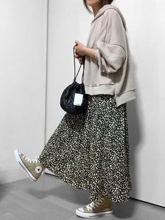 Kobe lettuce does not exist street style dresshijab kobe lettuce does not exist exist kobe lettuce Mode Outfits, Skirt Outfits, Casual Outfits, Fashion Outfits, Fashion Ideas, Casual Clothes, Fashion Shorts, Fashion Patterns, Fashion Hoodies