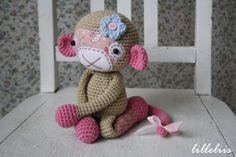PATTERN  Monkey girl crochet amigurumi toy par lilleliis sur Etsy, $6.50
