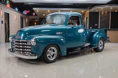 pick ups trucks Chevy C10, 1951 Chevy Truck, Jeep Pickup Truck, Vintage Pickup Trucks, Classic Pickup Trucks, Antique Trucks, Chevy Pickups, Chevrolet Trucks, Gmc Trucks